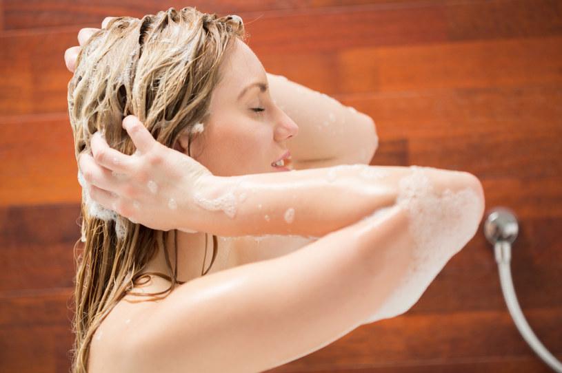 mycie szamponem /© Photogenica