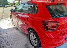 Myjnia bezdotykowa – o czym pamiętać i jak dobrze umyć samochód?