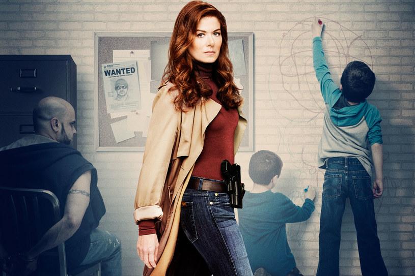 """""""Mysteries of Laura"""": W jednym z odcinków Laura (Messing) wpadnie na byłego narzeczonego, Andrew (McCormack). /materiały prasowe"""