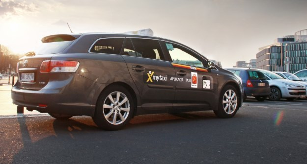 mytaxi walczy o rynek z iTaxi oraz firmami takimi jak Uber /materiały prasowe