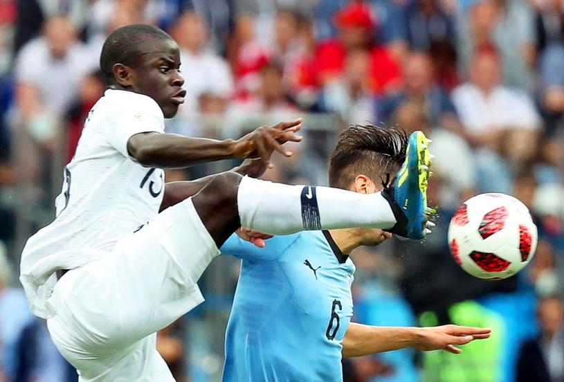 N'Golo Kante błyszczał w meczu Francji z Urugwajem. /PAP/EPA