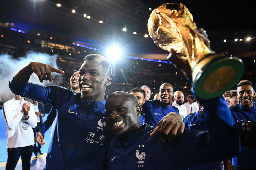 N'Golo Kante z Pucharem Świata /AFP