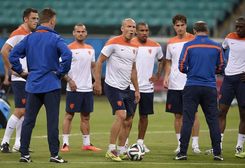 Na Arena Fonte Nova reprezentanci Holandii rozbili mistrzów świata Hiszpanów 5-1 /AFP