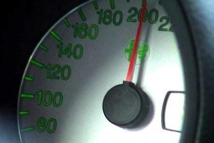 Na autostradzie do 260 km/h... / Kliknij /INTERIA.PL