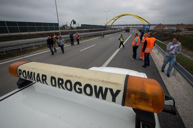 Na autostradzie trwają ostatnie prace /PAP