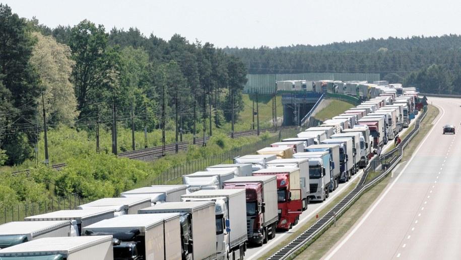Na autostradzie utworzył się korek (zdj. ilustracyjne) / Lech Muszyński    /PAP