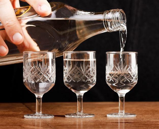 Na Białorusi minimalna cena sprzedaży pół litra 40-procetowego alkoholu będzie wynosić 10 zł /©123RF/PICSEL
