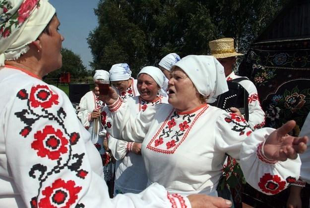 Na Białorusi wchodzi we wtorek w życie decyzja o uwolnieniu cen większości towarów /AFP