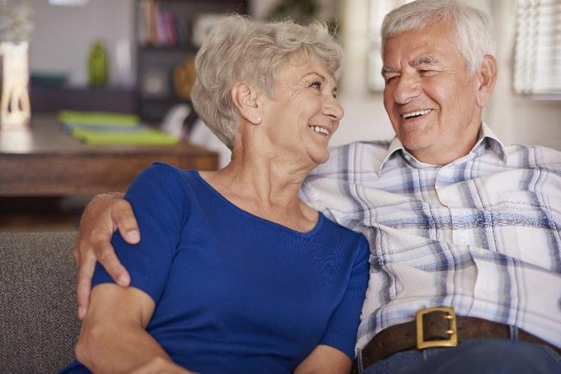 Na braki witamin cierpią seniorzy /© Photogenica