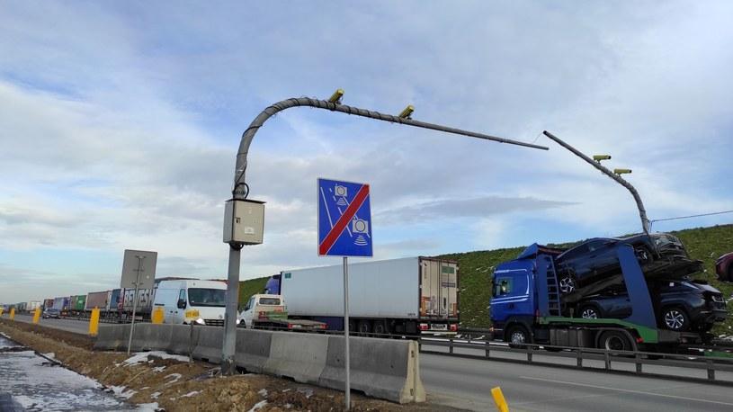 Na budowanej drodze w styczniu zainstalowano odcinkowy pomiar prędkości /GDDKiA