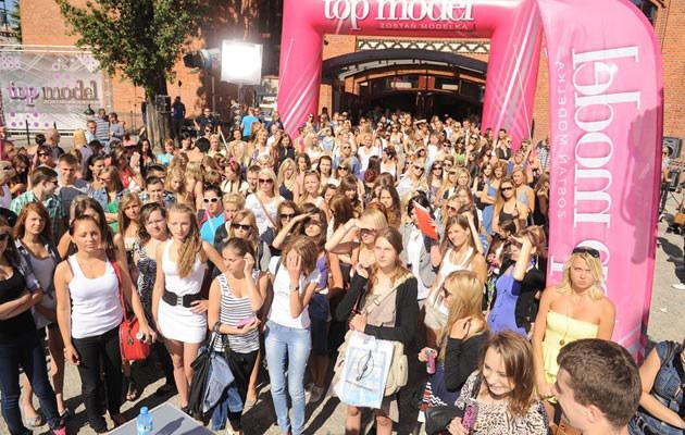 Na castingi do programu przyjeżdżały tłumy dziewczyn z całej Polski. Fot. Piotr Wygoda  /East News