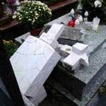 Na cmentarzu w Ełku ktoś zniszczył ponad 100 nagrobków