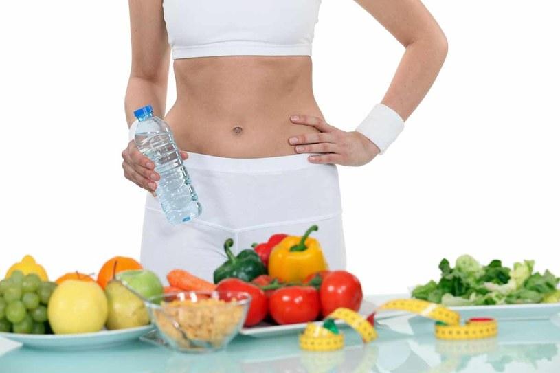 Na co dzień jesz duże porcje i nie unikasz ciężkostrawnych potraw ani słodyczy? /123RF/PICSEL