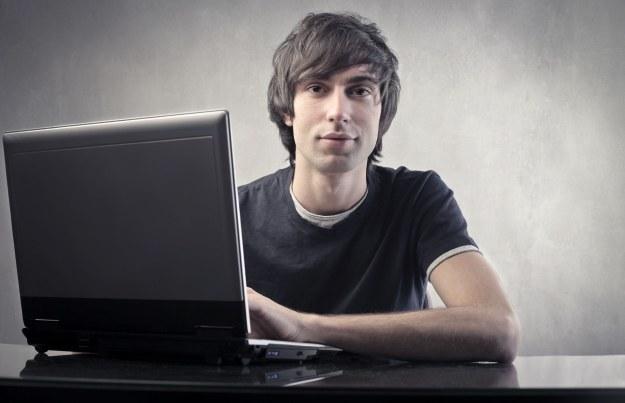 Na co należy uważać kupując notebooka za 1500 do 3000 zł? /123RF/PICSEL