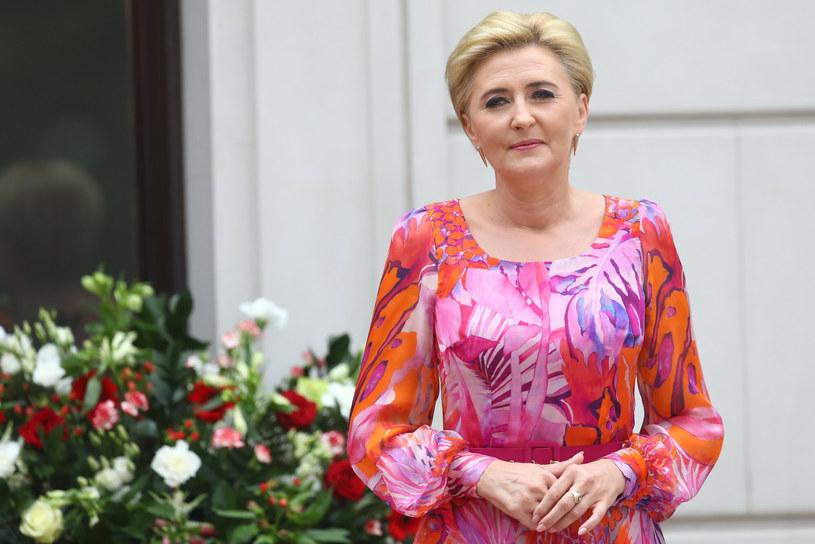 Na co Pierwsza Dama stawia w modzie latem? /Tomasz Jastrzębowski /East News