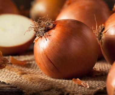 Na co pomaga wywar z łupin cebuli?