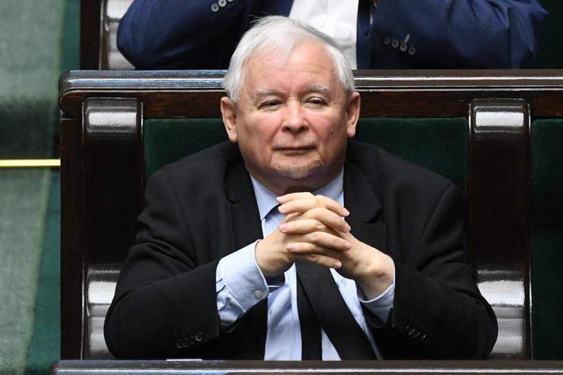 Na czele niezmiennie PiS; na zdjęciu jej lider Jarosław Kaczyński /Jacek Dominski/ /Reporter