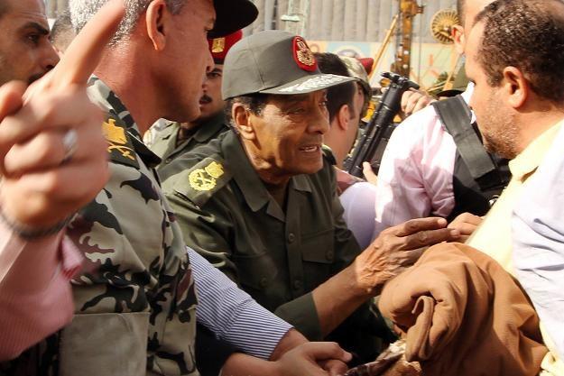 Na czele rady wojskowej, która przejęła władzę w Egipcie, stoi Mohammed Husejn Tantawi /AFP