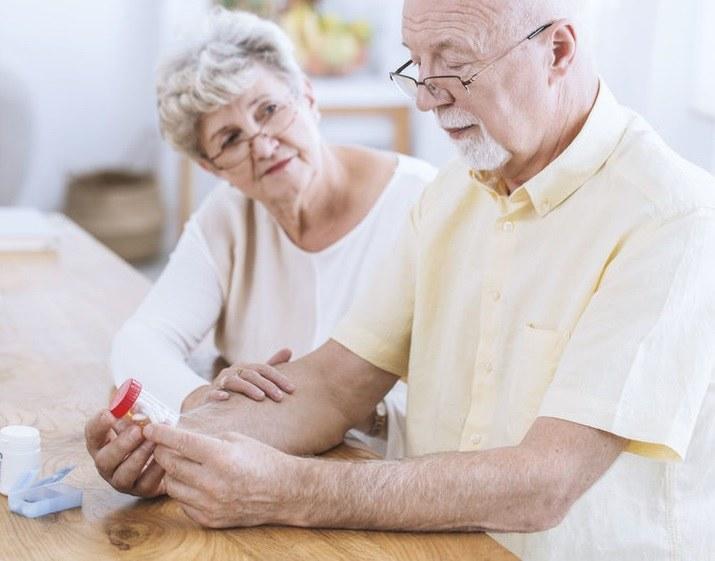 Na czym polega choroba Parkinsona? /©123RF/PICSEL