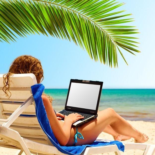 Na czym polega fenomen studenckiego biura podróży? /©123RF/PICSEL