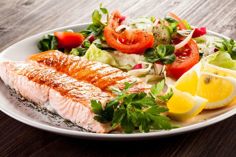 Na diecie wolumetrycznej można jeść duże porcje /123RF/PICSEL
