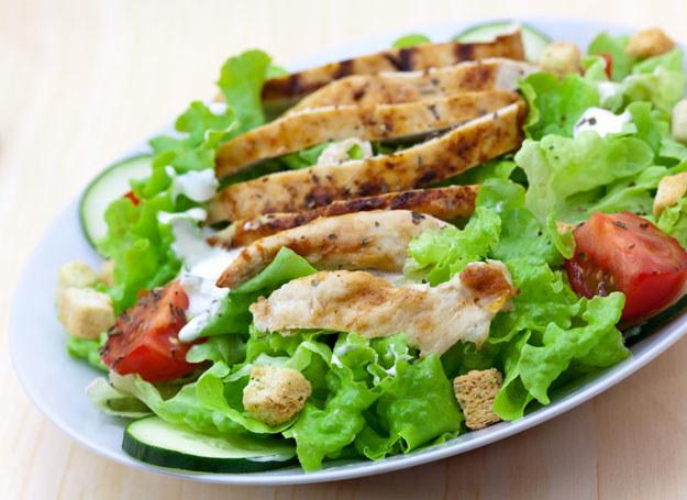 Na diecie wysokobiałkowej możesz jeść wszystkie mięsa, ryby, jaj i owoce morza /© Panthermedia