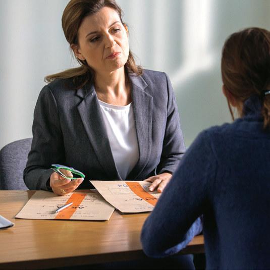 """""""Na dobre i na złe"""": Prokuratorka przekona Lenę, by przyznała się do winy, co obniży karę /Świat Seriali"""