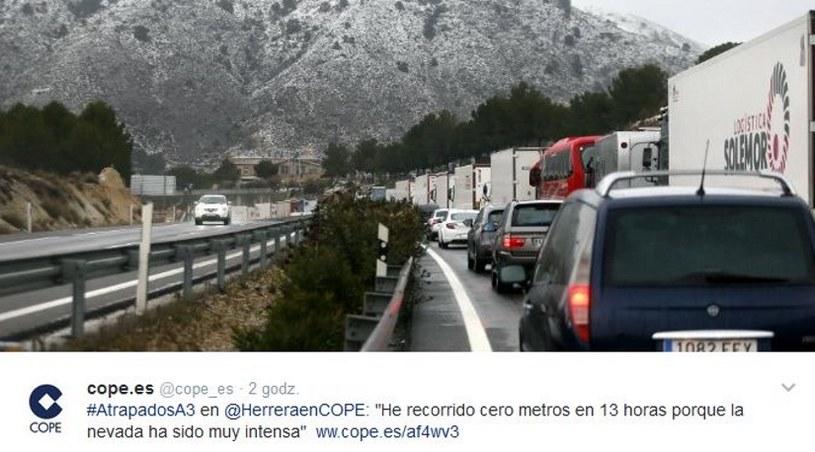 Na drogach utknęło 2 tys. ludzi,  fot. Twitter /