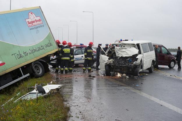 Na drogach wciaż ginie zbyt wielu ludzi /PAP