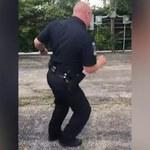 Na emeryturę tanecznym krokiem! Popis policjanta hitem internetu