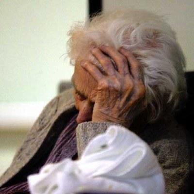 Na emerytury brakuje aż 350 miliardów złotych /AFP