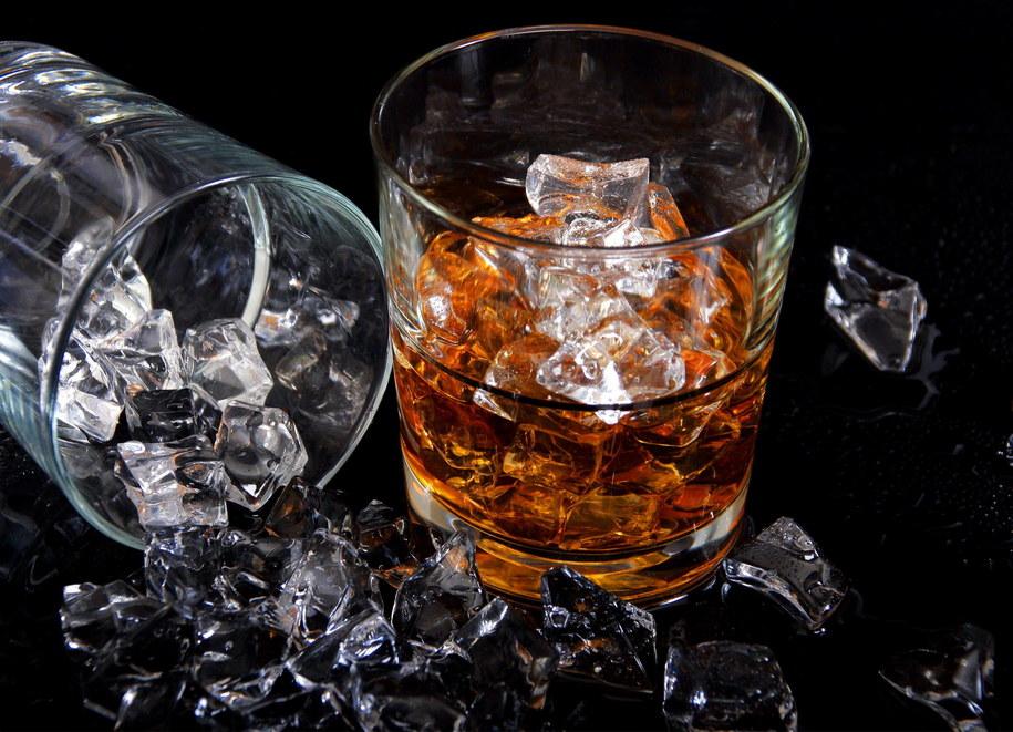 Na europejski rynek trafi wkrótce wiele produktów z tweedu o zapachu whisky zaprojektowanych przez mediolańskiego projektanta Angelosa Bratisa /Bildagentur Waldhäusl/DPA /PAP