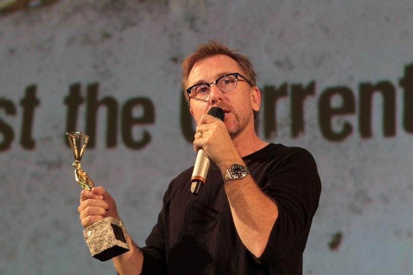 Na festiwalu OFF Plus Camera 2011 został uhonorowany nagrodą Pod Prąd /East News