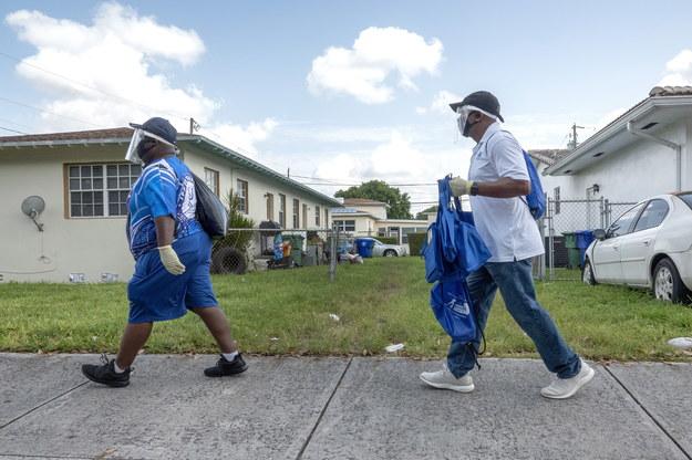 Na Florydzie wykryto 10 tys, przypadków /CRISTOBAL HERRERA /PAP/EPA