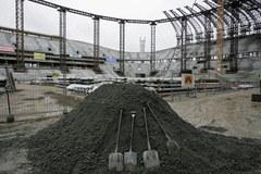 Na gdańskim stadionie zawieszono wiechę