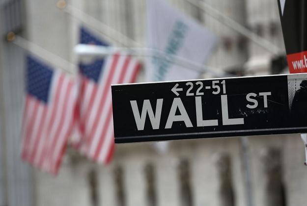 Na giełdach w USA uspokojenie po dużych zmianach z poprzednich sesji /AFP
