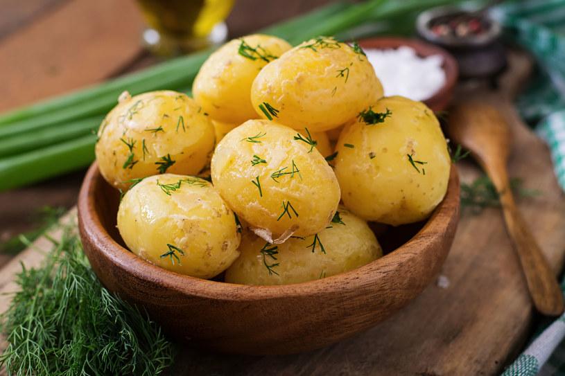 Na gotowaniu ziemniaków można oszczędzić /123RF/PICSEL