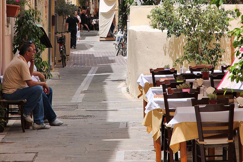 Na greckiej wyspie daje się turystom we znaki niespieszny styl życia jej mieszkańców /123RF/PICSEL