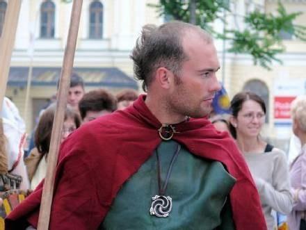 Na imprezie pojawią się rycerze broniący księżniczki Katarzyny... /MWMedia