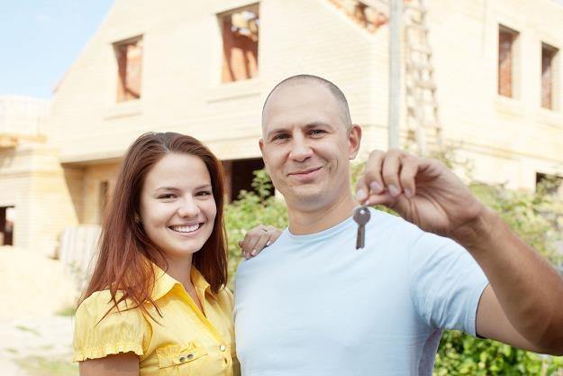 Na jak długo zaciągamy kredyty mieszkaniowe? /©123RF/PICSEL