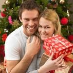 Na jakie prezenty liczą Polacy pod choinką?