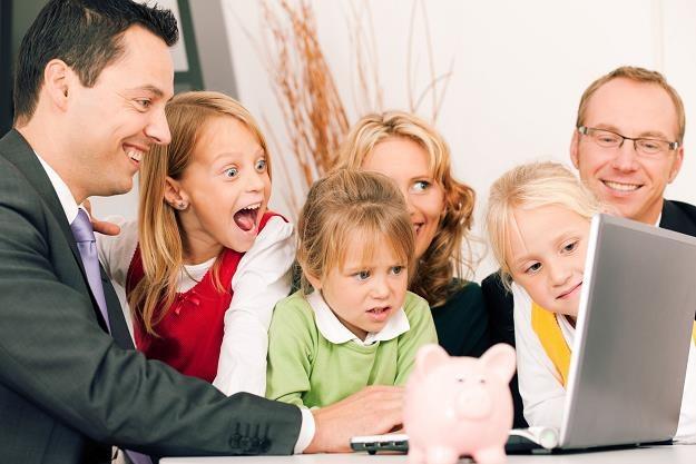 Na jakie świadczenia mogą liczyć rodziny z dziećmi? /©123RF/PICSEL