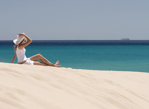 Na jednej z plaż Fuerteventury /© Panthermedia