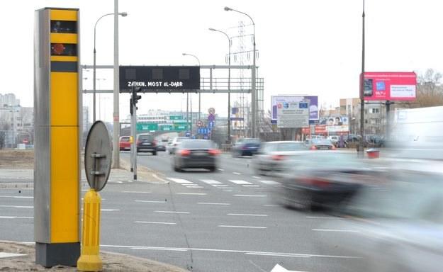 Na kierowców będą czekały nowe niespodzianki na drogach /PAP