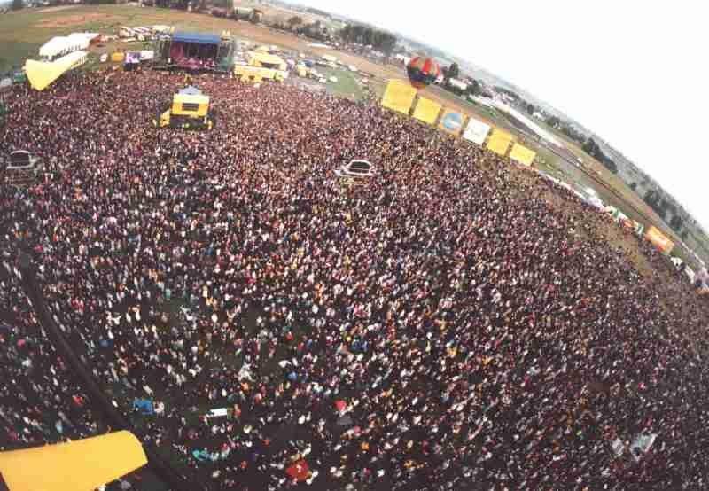 Na koncercie Scorpionsów w 2000 roku w Pobiedniku bawiło się nawet i 800 tysięcy osób! /RMF