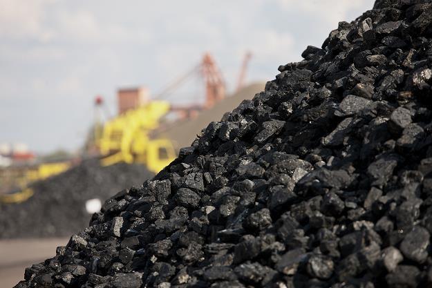 Na kopalnianych zwałach znów zalegają zapasy węgla /©123RF/PICSEL