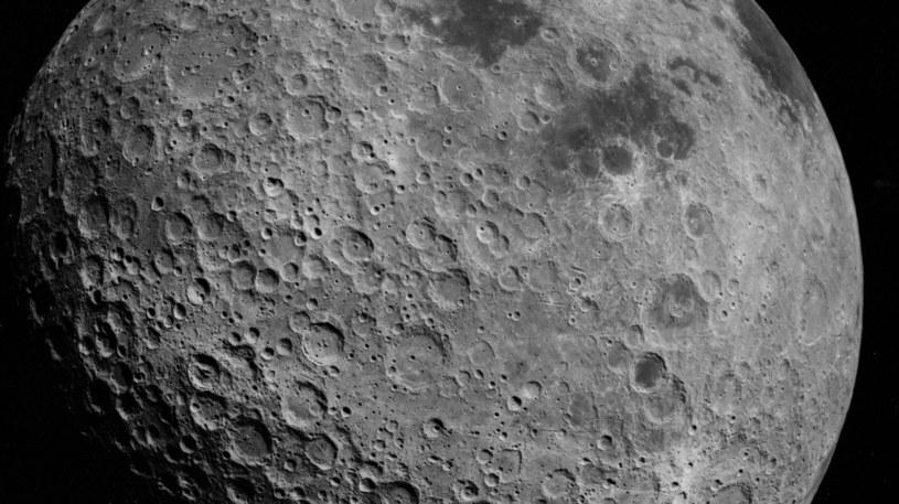 Na Księżycu może występować woda - to już pewne /NASA