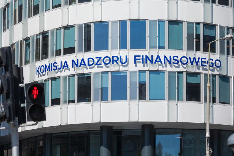 Na listę ostrzeżeń publicznych KNF wpisany został Banknocik Pionki Patryk Dzięcioł z siedzibą w Pionkach /Arkadiusz Ziółek /East News