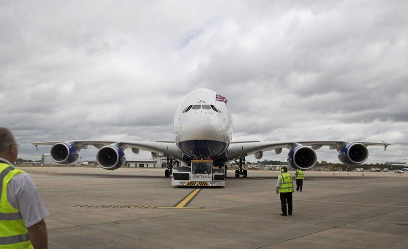 Na londyńskim lotnisku Heathrow od czwartku trwa chaos bagażowy. /AFP