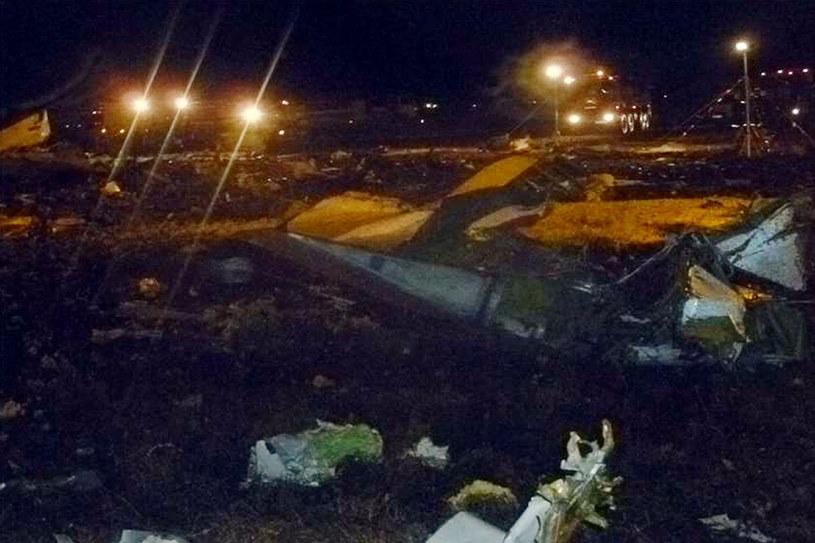 Na lotnisku w Kazaniu rozbił się samolot. Miejsce katastrofy /AFP